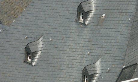 Rénovation et réfection de toiture en ardoise par couvreur à Grazac