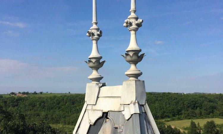 Pose de zinguerie sur toit à Grazac